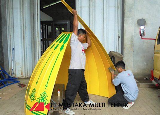 Assembly mustaka